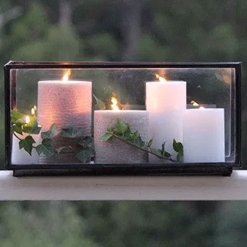 Candle box with 4 candles in it