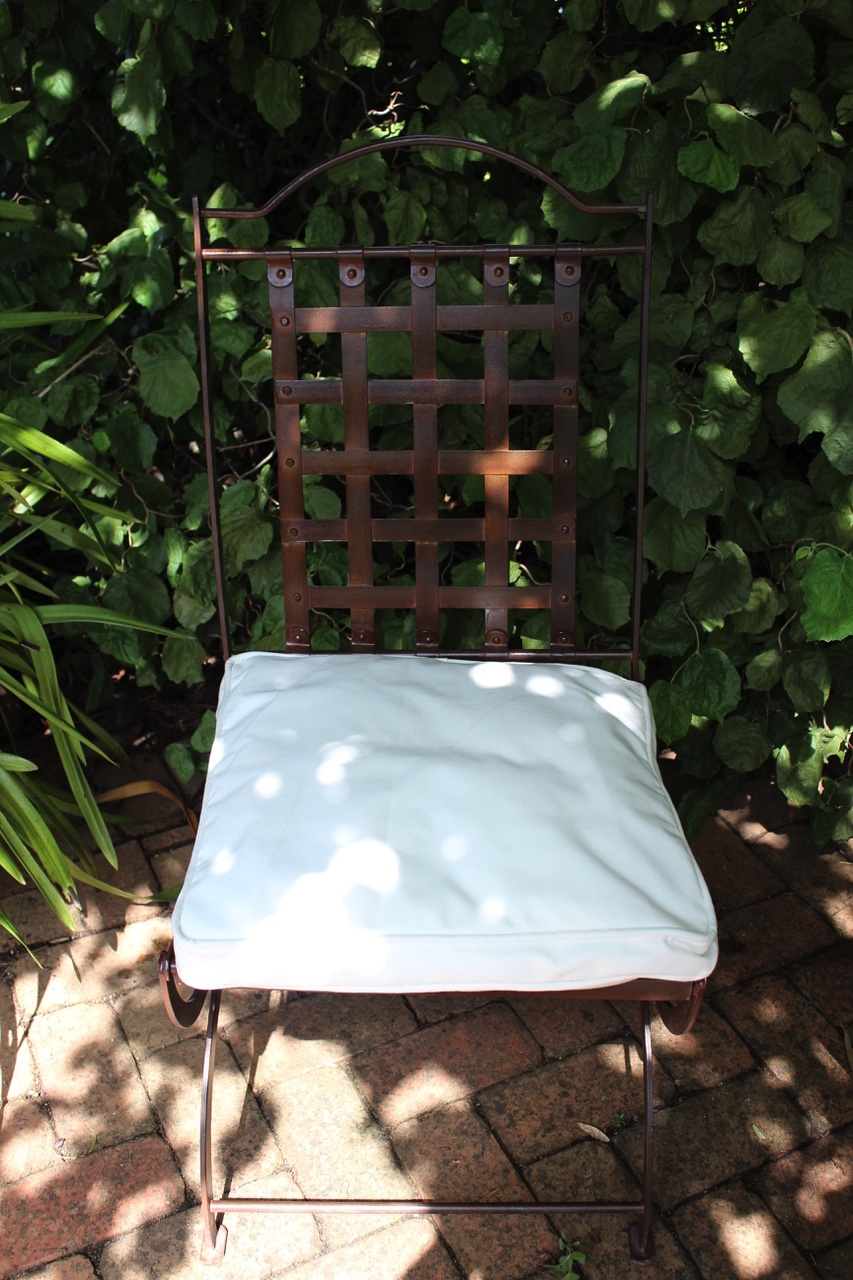 wrought iron chair with seat cushion