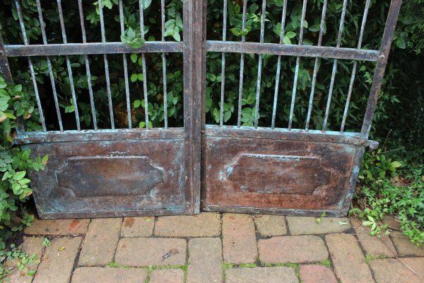 pressed metal gate