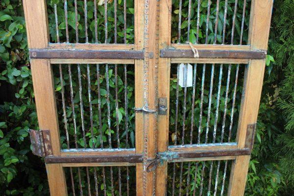 metal hardware on gate